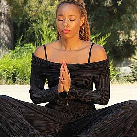 Black Velveteen Yoga Vinyasa Class